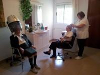 Perruqueria :: Residència Tercera Edat El Jardí de l'Empordà - Vilamalla